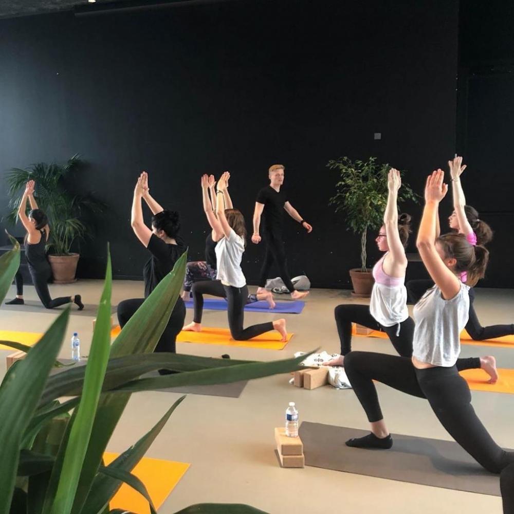 Cours de Yoga doux avec Sacha - en ligne