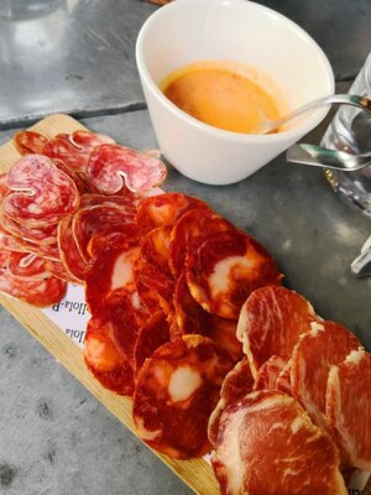 Unique Bike & Food Tour - Paris