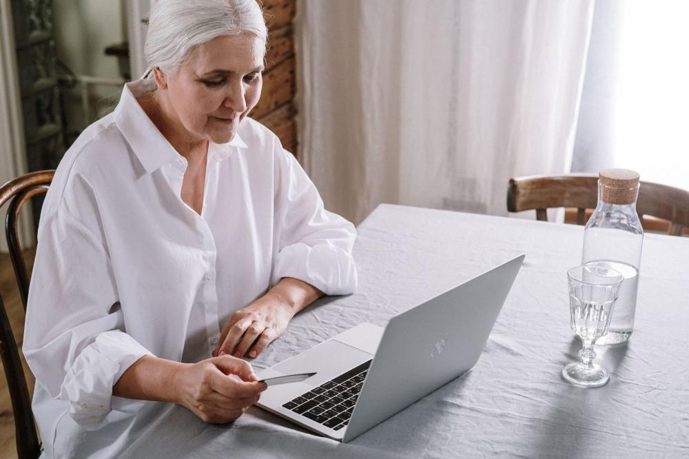 Création de sites web en cours collectifs ou individuels à distance ou à domicile - Paris et Couronne.