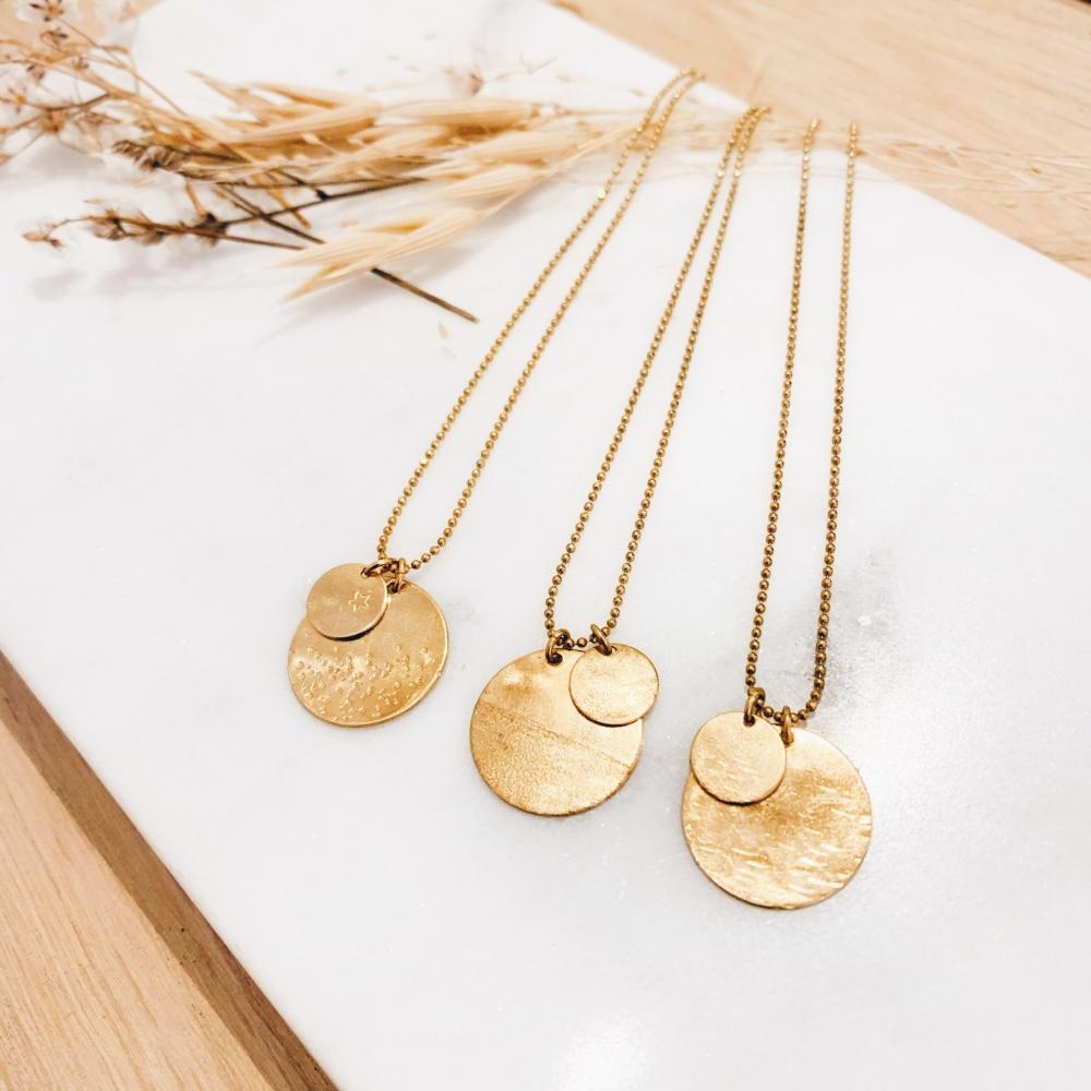 Confectionnez votre duo de médailles plaquées or à Toulouse - Atelier Duo