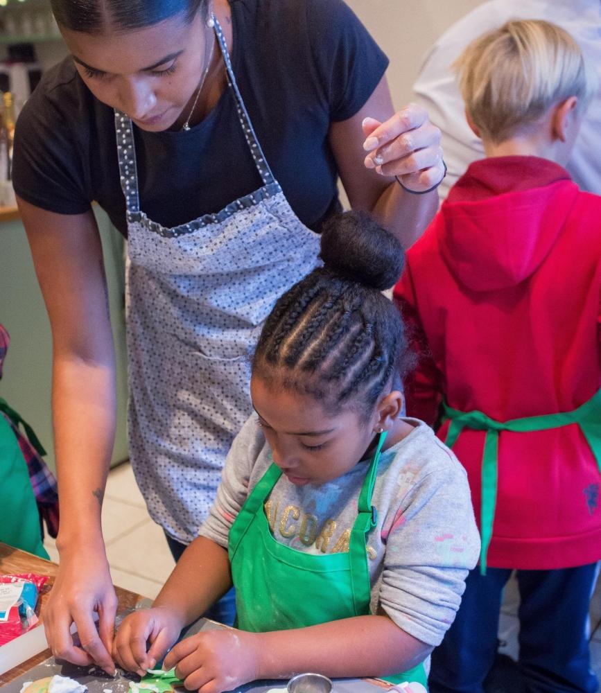 Atelier pâtisserie - Charlotte aux fruits rouges - parent-enfant en trio - Paris 13e