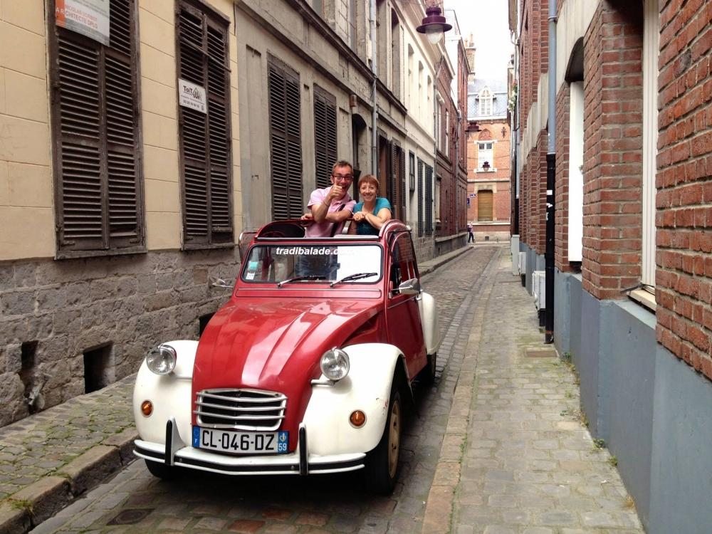 Visite de Lille en 2CV avec Dégustation de Produits Régionaux