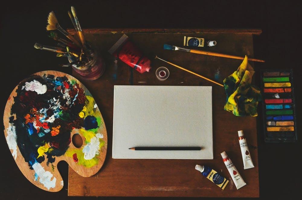 Cours d'Arts Plastiques, Dessin, Peinture, Modelage