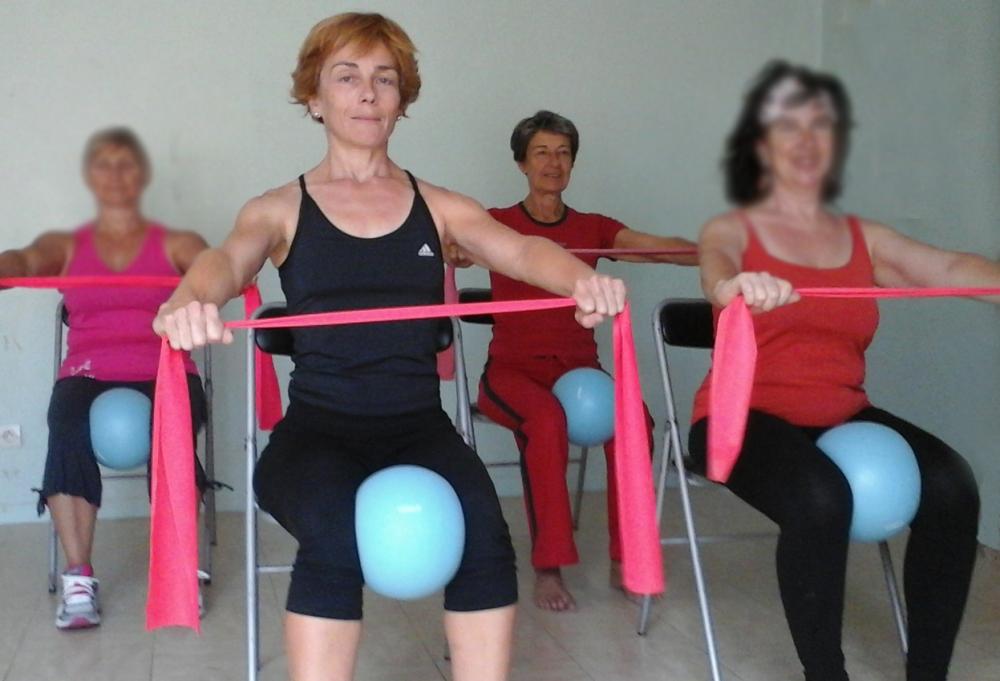 Cours de Pilates sur chaise
