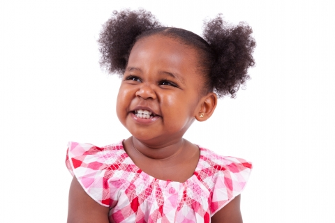 zawema petite fille cheveux crépus couettes