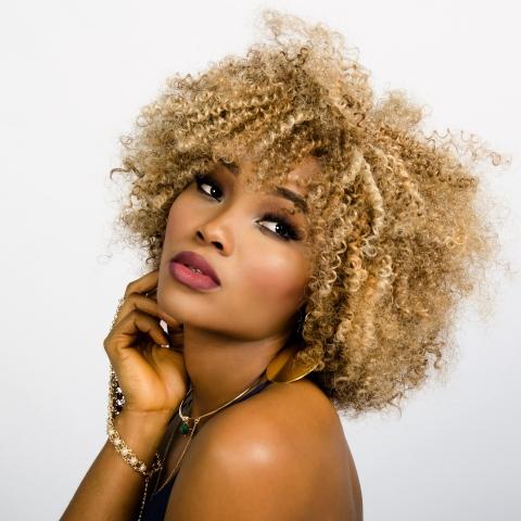 zawema femme cheveux frisés