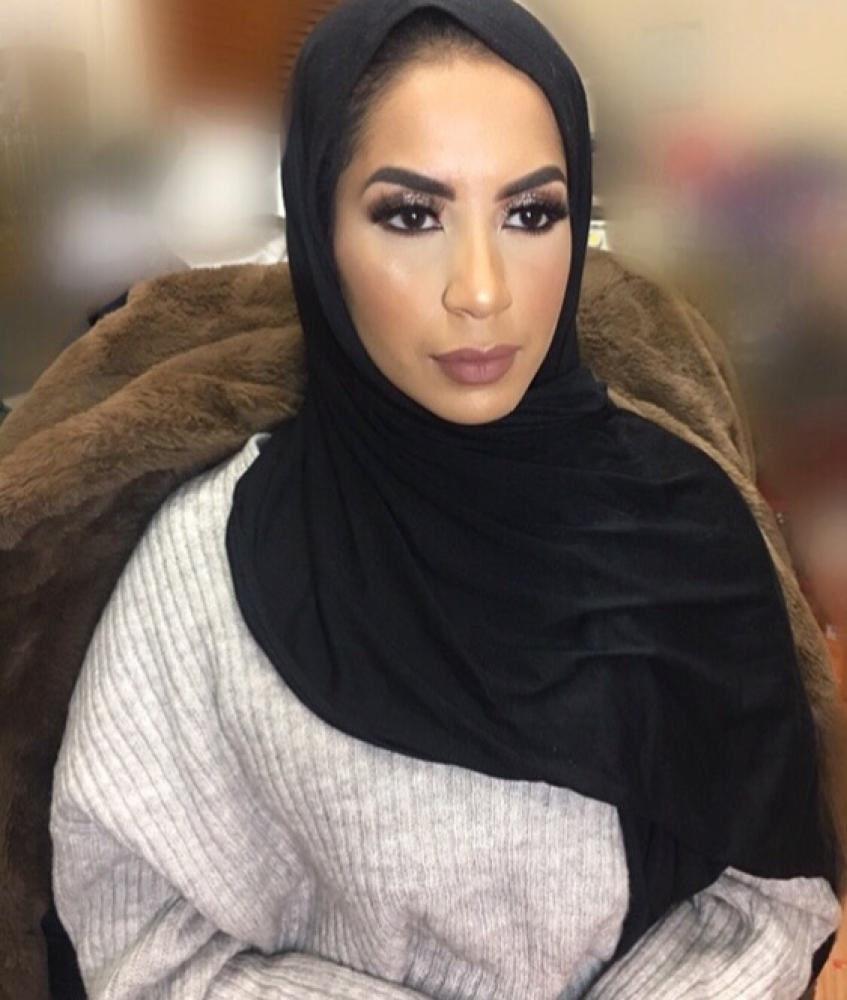 Cheap makeup artist!