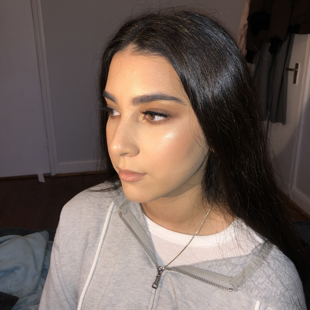 Editorial and glam makeup artist