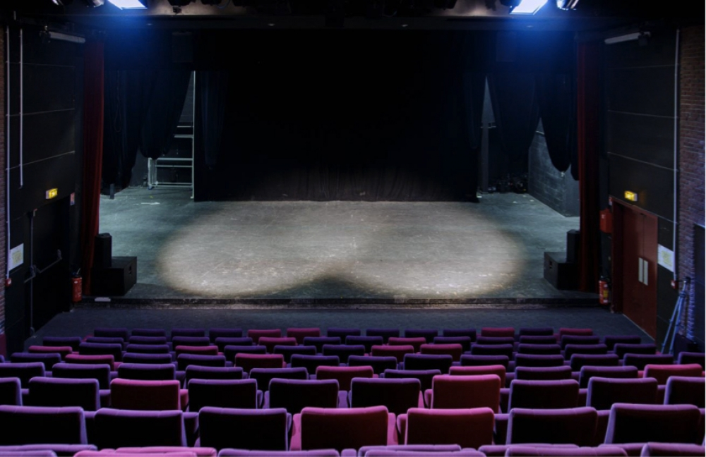 Points communs - Plateau de la salle Arendt au Théâtre 95 à Cergy