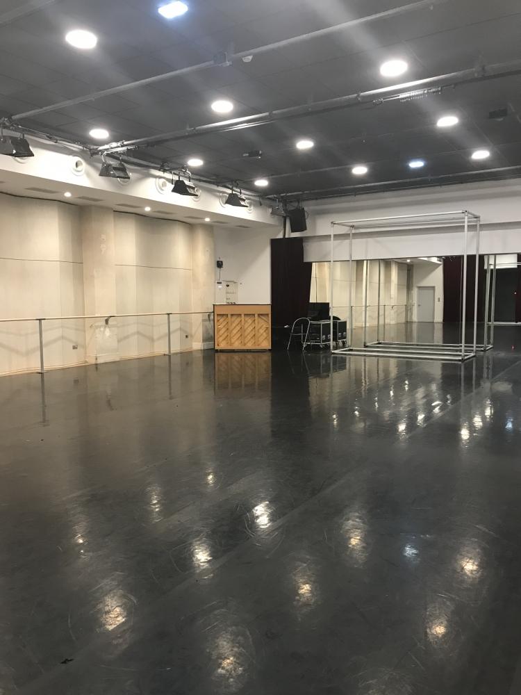 Théâtre du Châtelet / studio Anna Pavlova