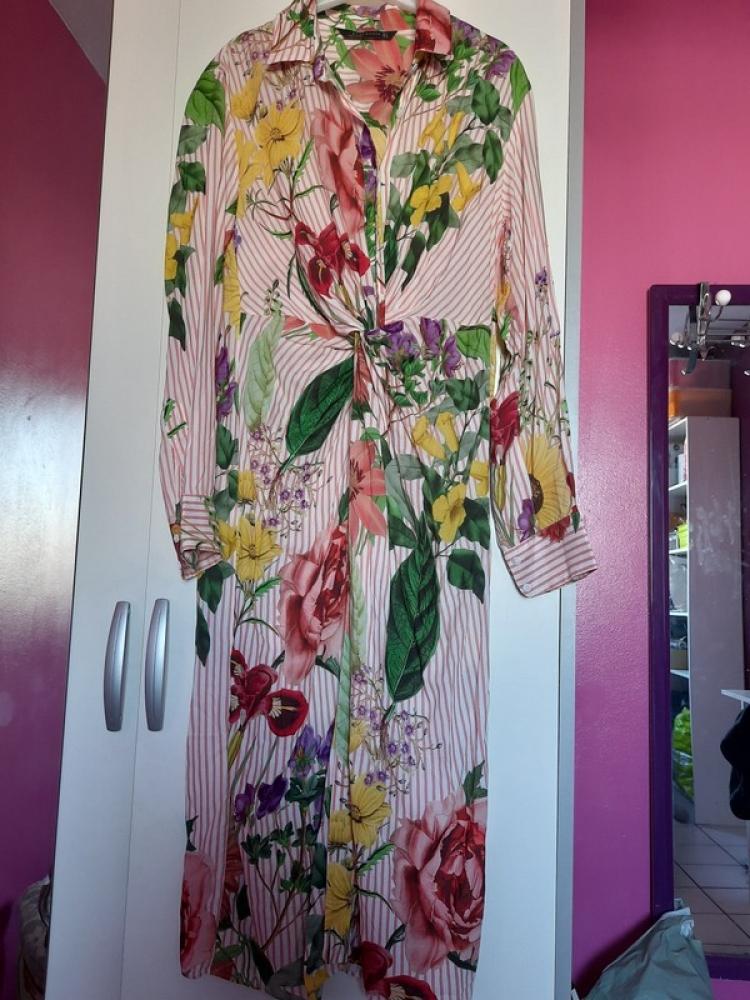 Robe chemise imprimé floral Zara taille M