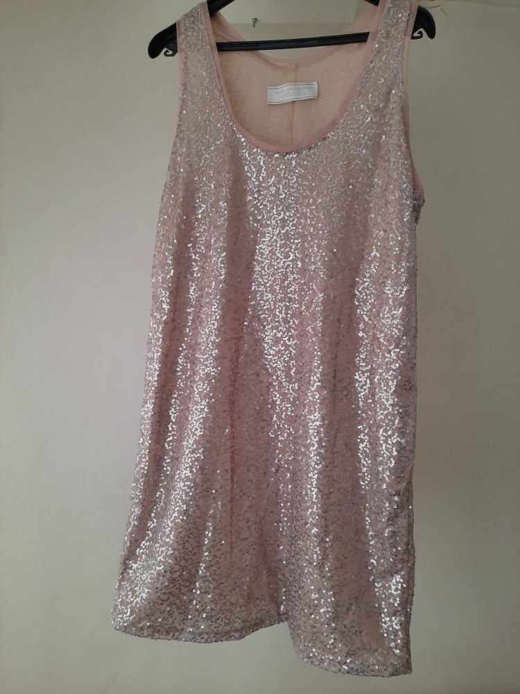 Robe rose courte paillettes argentees  zara collection