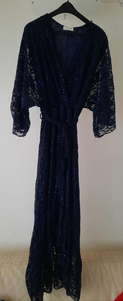 robe longue dentelle bleu marine marque Holly&Joey