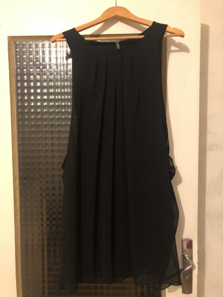 Robe en voile noire