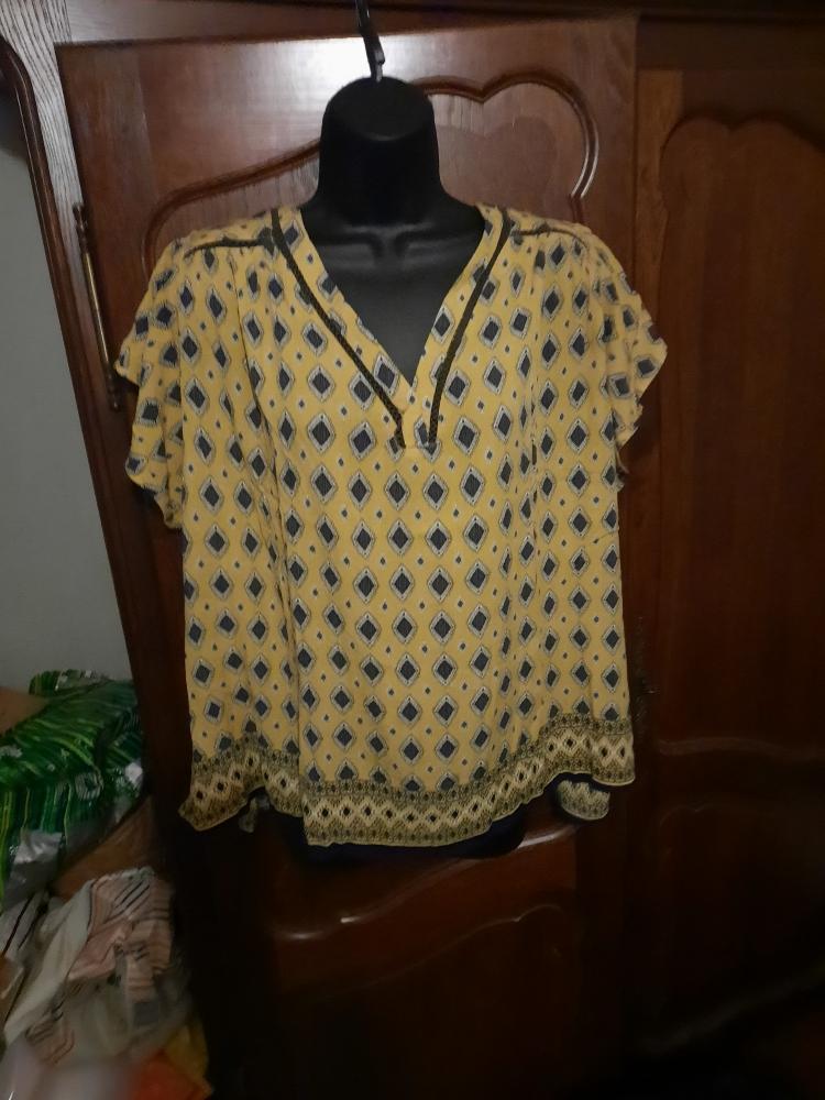 Jolie tunique jaune et noire