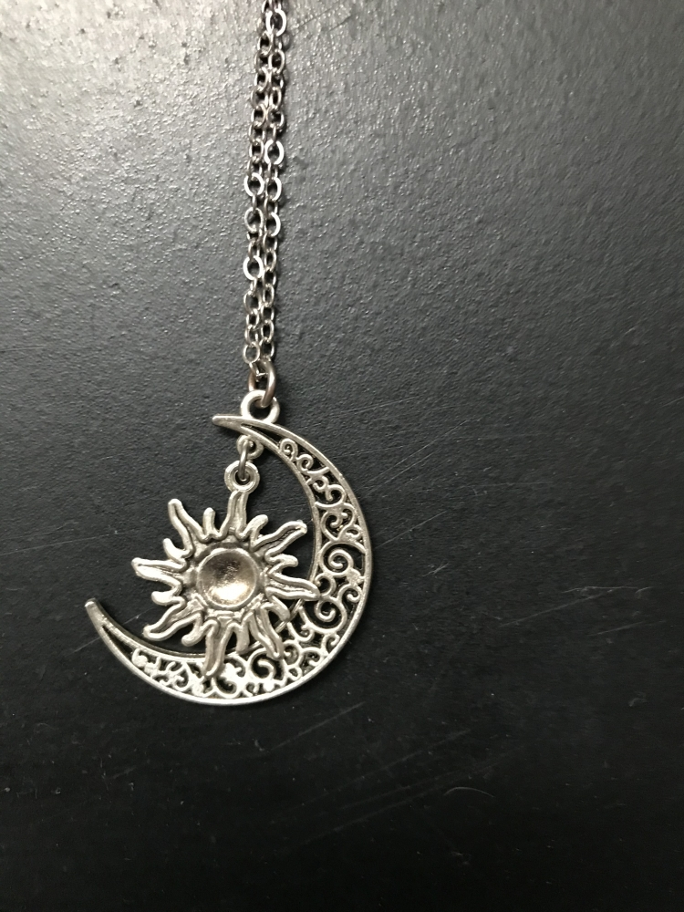 Collier lune et soleil