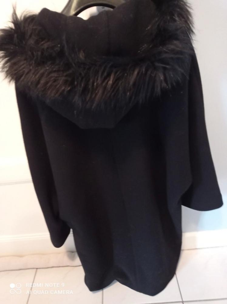 Manteau 3/4 avec capuche amovible noir