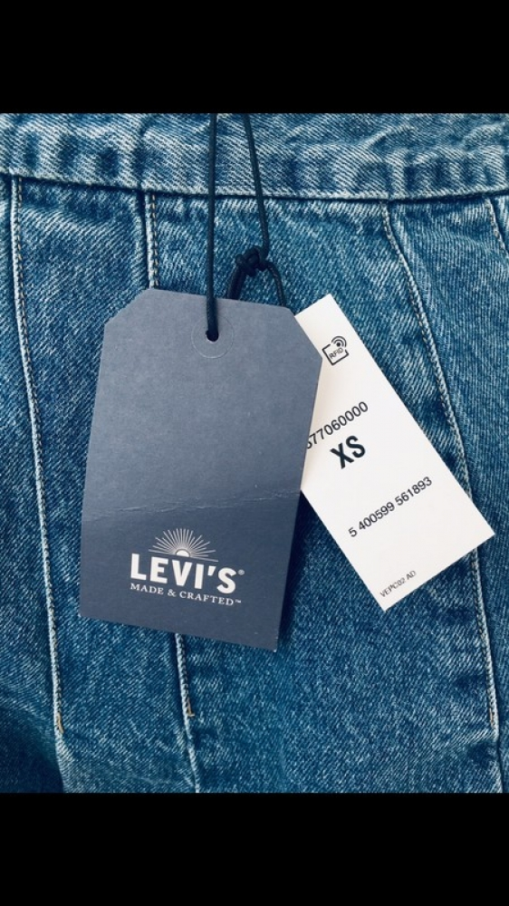 Levis jupe en jean neuve avec étiquette