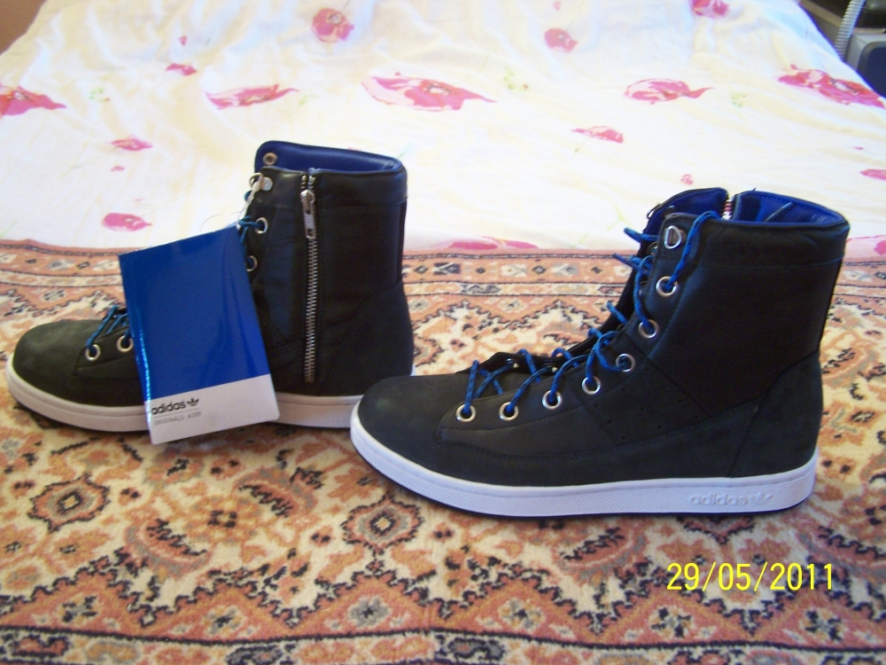 Thirtine combat hi adidas neuve t 43,5 originals