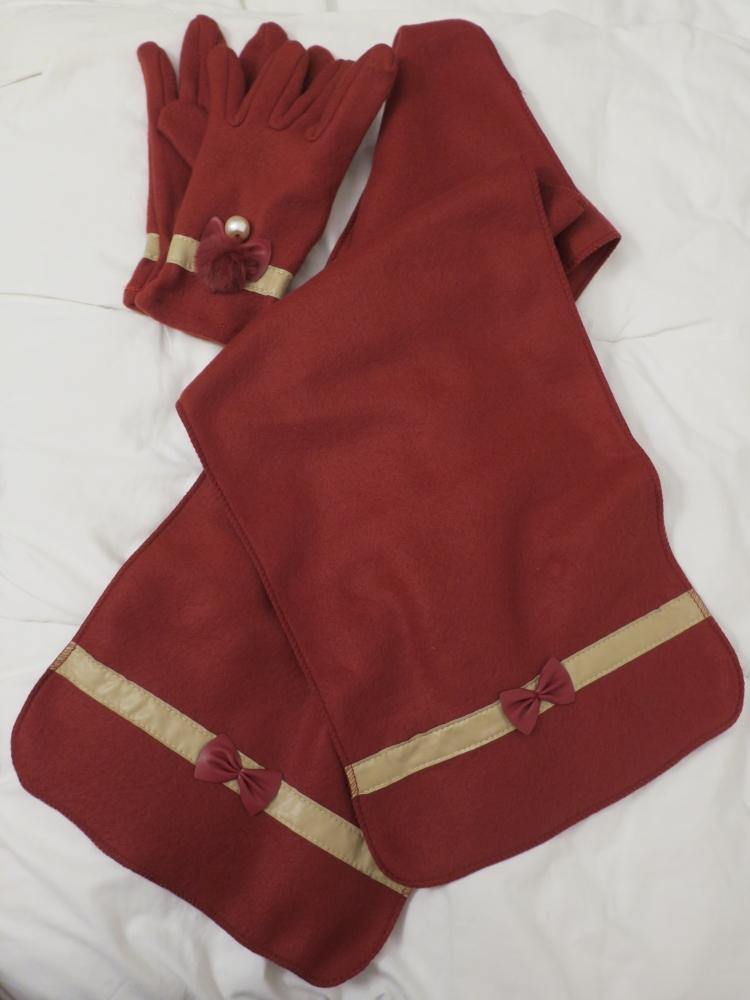 Foulard et gants assortis