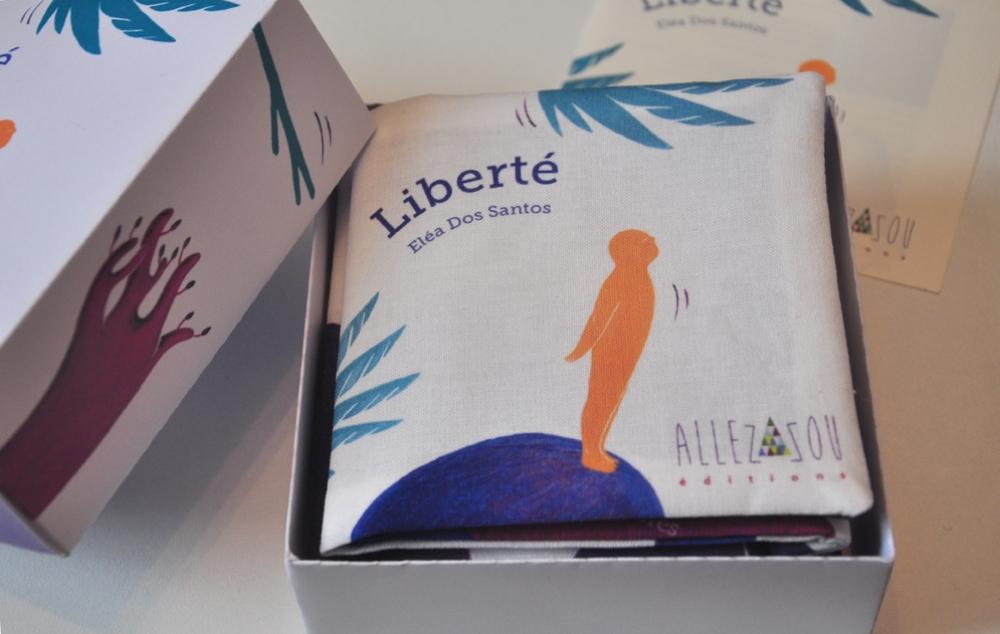 """Livre tissu \""""Liberté"""