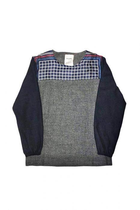 Pull en laine avec empiècement en soie