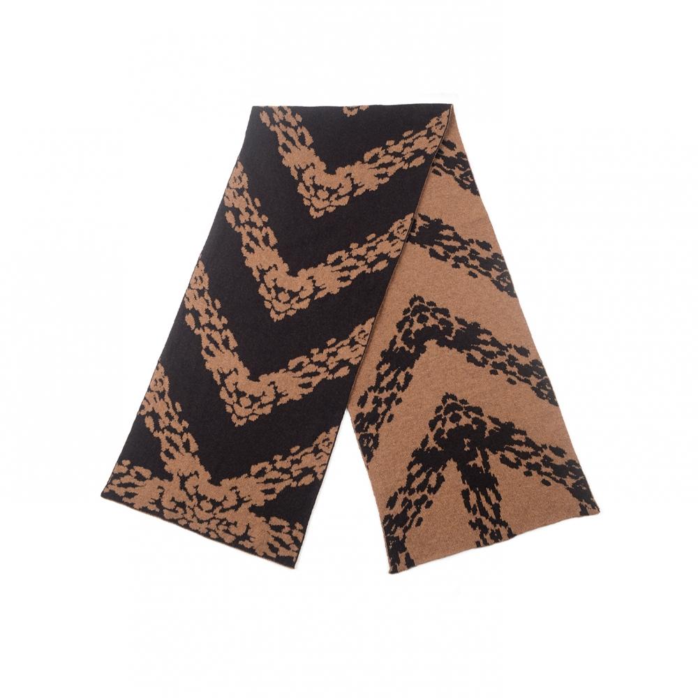 Echarpe camouflage en tricot marron