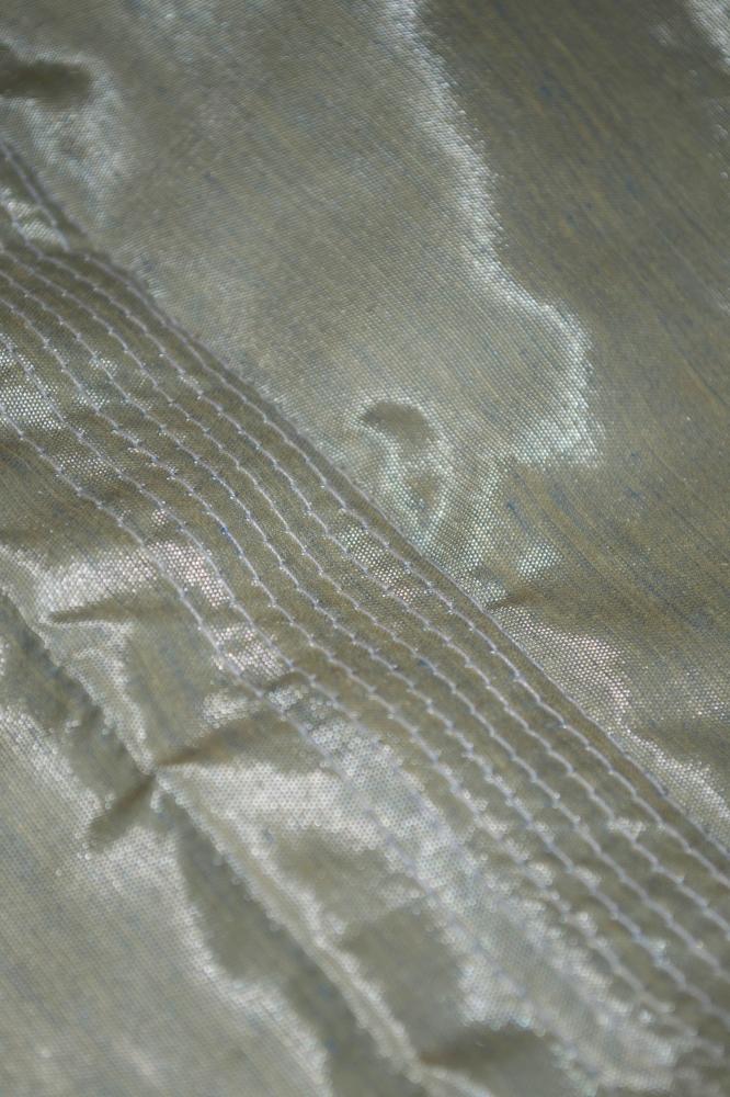 Top droit en satin de soie vert
