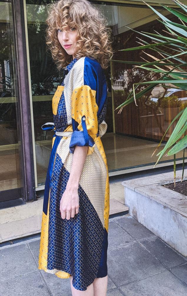 Robe chemise en soie imprimé foulard