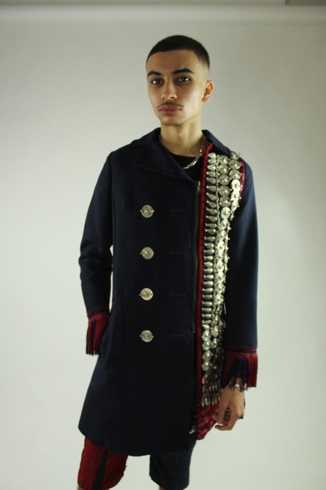 Manteau à bijoux