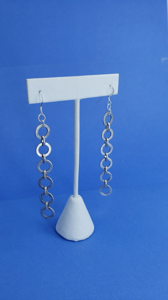 """O"" ring chain drop earrings"