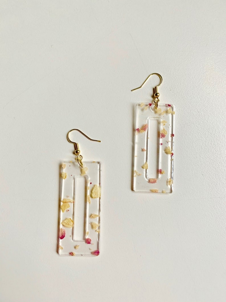 Boarderless Resin Dangle Earrings - Rose petal rectangles