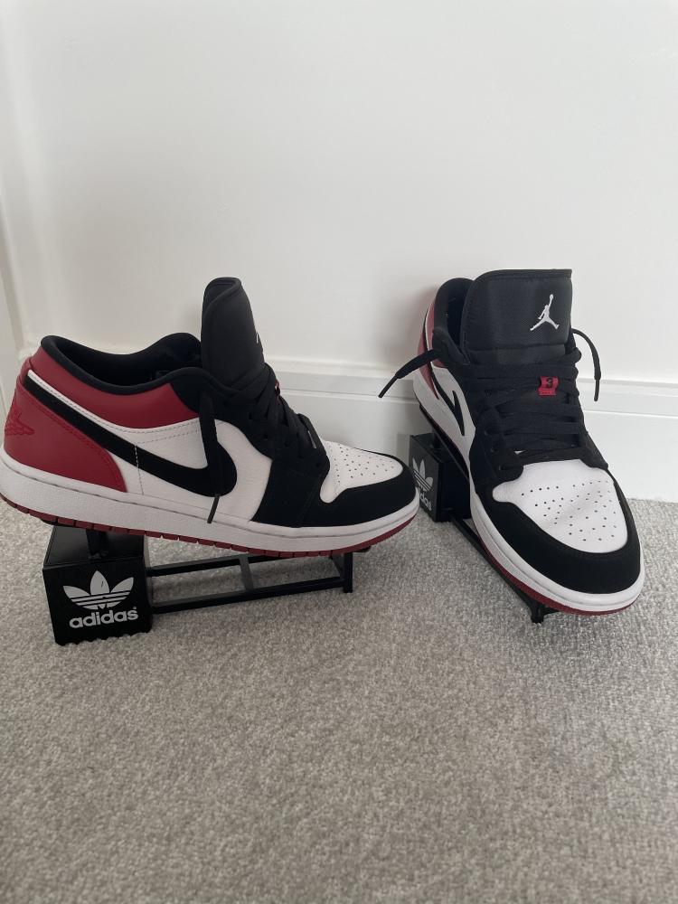 Nike Air Jordan 1 Black Toe