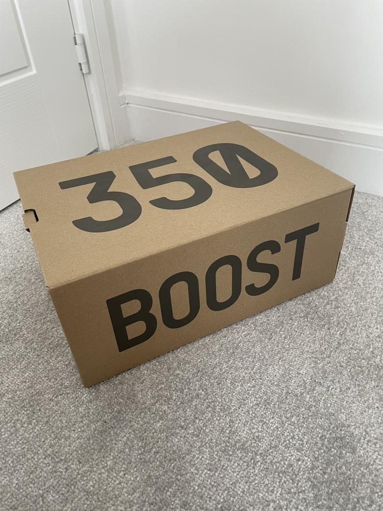 YEEZY 350 V2 - Sesame