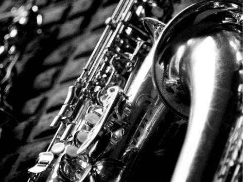Saxophone en noir et blanc