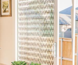 Découvrez l'entreprise Morel, spécialisée dans les rideaux de porte