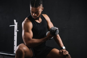Les exercices pour travailler les bras