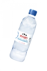 Evian lance une bouteille 100% recyclable